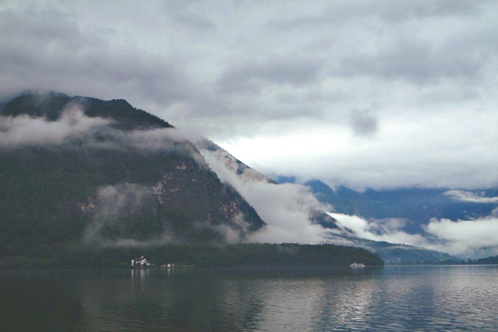 Hallstatti tó és hegyek