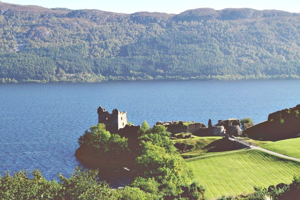 Urquhart vár, Loch Ness